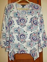NINE WEST JEANS-Carly Multi-Color V-Neck 3/4 Sleeve Pullover Top - Size M
