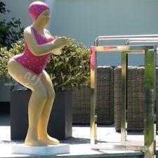 BADENDE ELLI BADEANZUG HIMBEER FRAU FIGUR Skulptur BADENIXE GARTENFIGUR DEKO