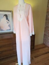 Vtg Van Raalte Pink Crepe Lace nightgown Gown Lounge. Small. EEUC. So Pretty.