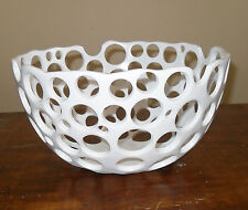 Mesh Accent Resin White Plate Modern Style Hole Design Hand Made Fruit Plate Art