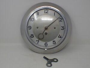 Horloge Industrielle Vintage en tôle avec sa clé