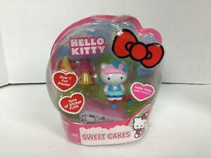 Hello Kitty Rollin' Action Mini Figure Sweet Cakes New