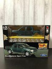 Maisto Ford Explorer Sport Trac 1/25 Model Kit #20287