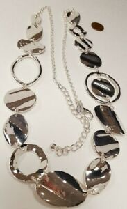 NEW CHICO'S SILVER HAMMERED GEOMETRIC MEDALLIONS BOHO LONG CHAIN NECKLACE V205