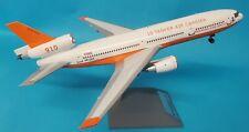 InFlight200 DC 10 30ER Citerne Air Porteur N612AX (avec Socle ) Ref: