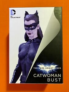 """DC COLLECTIBLES - DARK KNIGHT RISES - CATWOMAN BUST 6"""" STATUE - BATMAN HATHAWAY"""