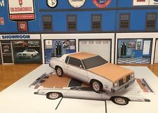 PAPERCRAFT 1979 Oldsmobile White Hurst Olds W-30 Paper Model Car EZU-make