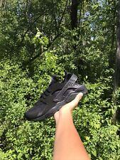 Nike Huaraches Triple Black Size 8.5 Brand New