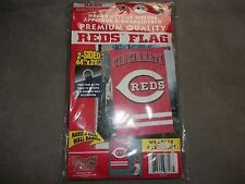 """Cincinatti Reds Banner Flag 2-Sided 44""""x28"""" Heavywieght Nylon Weather Resistant"""