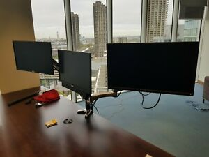 JOB LOT OF 30 x DELL 19 TO 22 INCH FLAT PANEL VGA MONITORS WITH MONITOR ARMS
