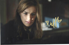ELIZABETH HENSTRIDGE Signed 9x6 Photo MARVELS AGENTS OF S.H.I.E.L.D COA