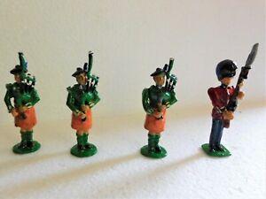 54mm 3 x Irish Guards pipers and 1 Irish guardsman at present, boxed pairs.