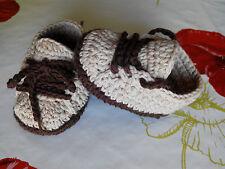 Zapatos bebe crochet recien nacido algodon 100% maron y beige patucos calzado