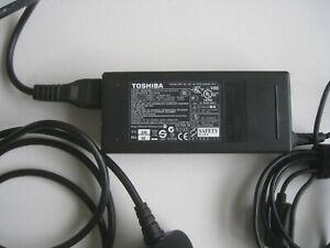 Toshiba Satellite Pro P300 AC/DC Adapter
