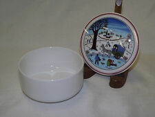 Vintage Villeroy and Boch NAIF CHRISTMAS Round Covered Trinket Box 3 3/4""