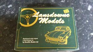 Lansdowne Models 1/43 Scale LDM17 - 1956 Willerby Vogue Caravan - Cream/Green
