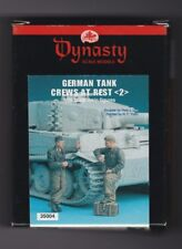 DYNASTY SCALE MODELS 35004 - GERMAN TANK CREWS AT REST (2) - 1/35 RESIN KIT