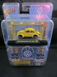 2021 M2 Machines Models Kits CHASE 1967 VW Beetle Deluxe U.S.A Model