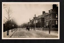 Newmarket - The Avenue -  real photographic postcard