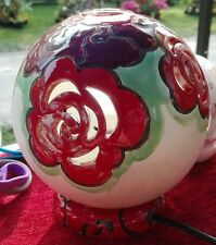 lampada Rose Rosse dipinta a mano traforata