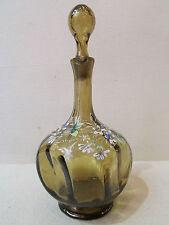 ancienne carafe en verre soufflé emaillé decor floral epoque 1900