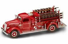 1938 MACK TYPE 75 FIRE ENGINE 1/24 SCALE DIECAST FIRE TRUCK ROAD SIGNATURE 20158