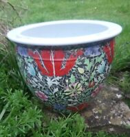 STUNNING CHINESE VINTAGE PORCELAIN FISH BOWL/PLANTER. WEIGHS NEARLY 10KG
