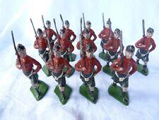 Plomb creux - 13 soldats écossais 55mm - XR en peinture d'origine.