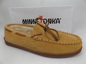 Minnetonka Men's Pile Lined Hardsole Moccasin Slippers Size 13 Wide, Tan Suede