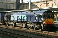 UK DIESEL TRAIN RAILWAY PHOTOGRAPH OF CLASS 66 66415 LOCO. RM66-556