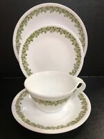 Set Of 4 Corelle Crazy Daisy Spring Blossom Green Plates,saucer, Hook Handel Cup