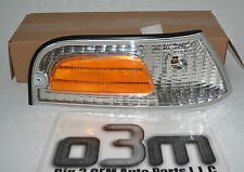 2006-2011 Ford Crown Victoria RH Pass Front Marker Lamp new OEM 6W7Z-15A201-AA