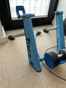 Tacx T2650 Folding Magnetic Turbo Trainer - Blue Matic