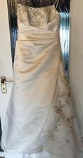 Brautkleid Hochzeitskleid mit Schleppe in Größe 38/40