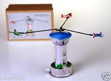 Mm265 CERCHIO AEROPLANI Torre MECCANICO giocabili GO ROUND Tin Toy PENNINO
