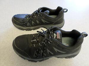 """Skechers """"Wide Fit"""" black, waterproof athletic shoes. Men's 10.5 wide (eur 44)"""