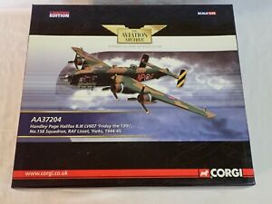 CORGI AA37204 1:72 HANDLEY PAGE HALIFAX B.III LV607 FRIDAY THE 13TH NP-F RAF