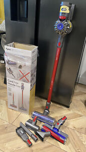 Dyson V7 Total Clean Cordless Hoover. Boxed