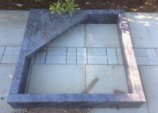 Grabanlage, Urnengrab, Kissenstein mit  Einfassung alles enthalten