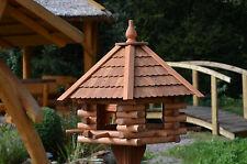 Vogelhaus, Vogelfutterhaus aus Holz mit Futterspender