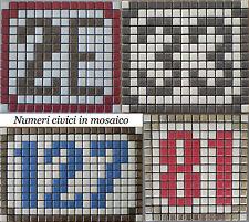 Numero civico in mosaico di ceramica