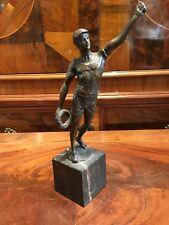 Bronze_Turner/Sportler m. Siegerkranz_sign. Moretti_1930er-1940er Jahre