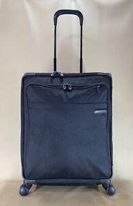 Briggs & Riley Baseline U524SPX-Black Ballistic Spinner Medium Checked Suitcase