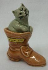 Vtg Cat in Boot 2-pc Stacker Go-With Salt and Pepper Shaker Set Nashville Tn