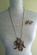 BEAUTIFUL CLAY FLOWER EARRINGS NECKLACE PIN GOLD PURPLE GREAT