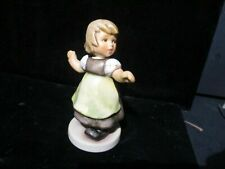 Hummel Goebel Figurine 212/B Tmk 8 Spring Waltz Made in Germany D226 Qq