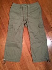 Liz Claiborne Women's Cargo Pants Size 8 Army Green Cropped