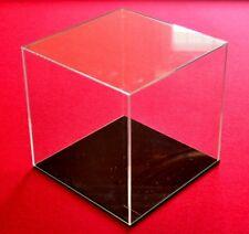 Tisch Vitrine Würfel Acryl Plexi Glas Schaukasten Box mit schwarzemDeckel 20 cm