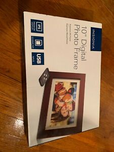 "INSIGNIA 10"" Digital Photo Frame Premium NS-DPF10WW-17 - BRAND NEW"