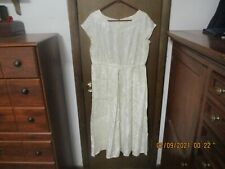 Vintage White Women'S Dress